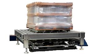 Упакованный паллет на конвейере